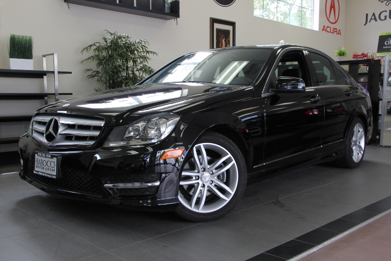 2013 MERCEDES C-Class C250 Luxury 4dr Sedan 7 Speed Auto Black One owner California vehicle just