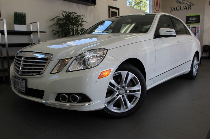 2011 MERCEDES E-Class E350 Luxury 4dr Sedan 7 Speed Auto White Tan This is really a gem Comes