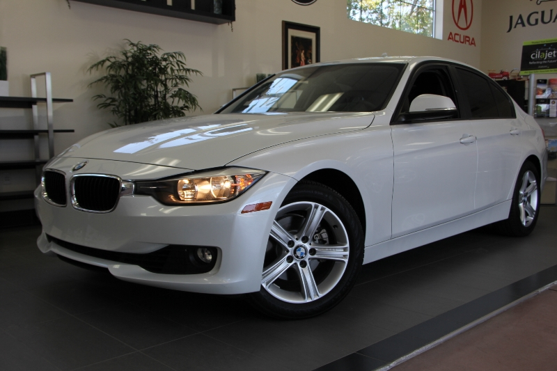 2013 BMW 3 Series 328i 4dr Sedan Automatic White ABS Air Conditioning Alarm Alloy Wheels Cru