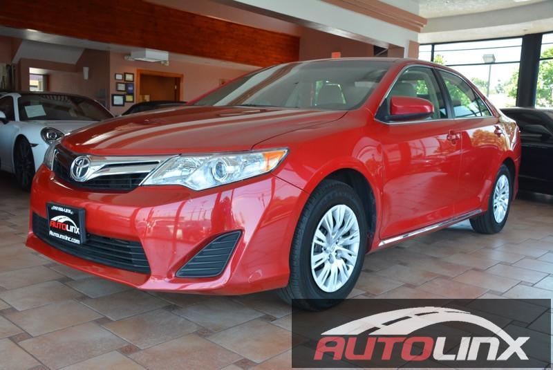 2014 Toyota Camry LE 4D Sedan Automatic Red Gray Gray ABS brakes Alloy wheels Electronic Sta