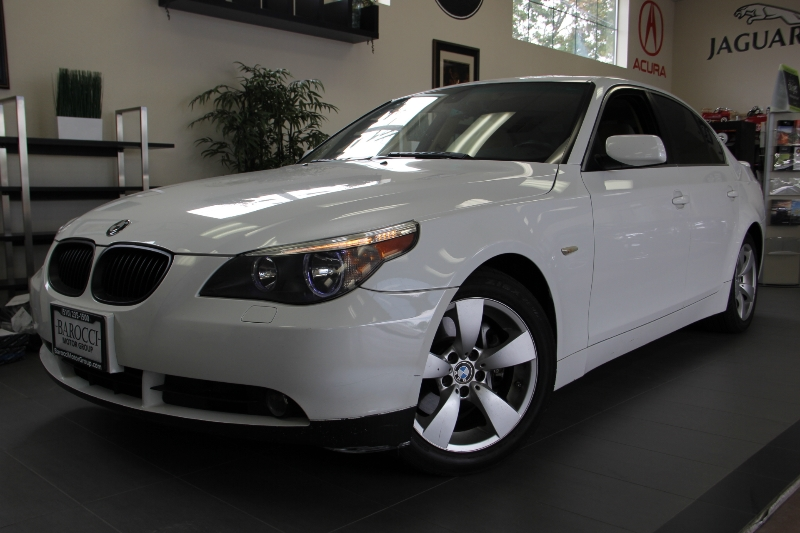 2007 BMW 5 Series 525i 4dr Sedan 6-Speed Automatic  White Tan This is a beautiful vehicle in gr