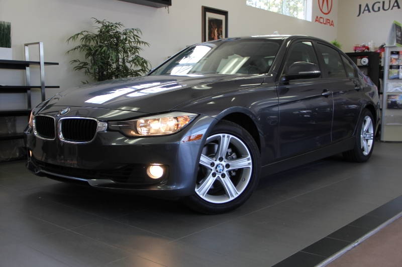 2013 BMW 3 Series 328i 4dr Sedan Automatic Gray Black Tons of options on this 3 series includin