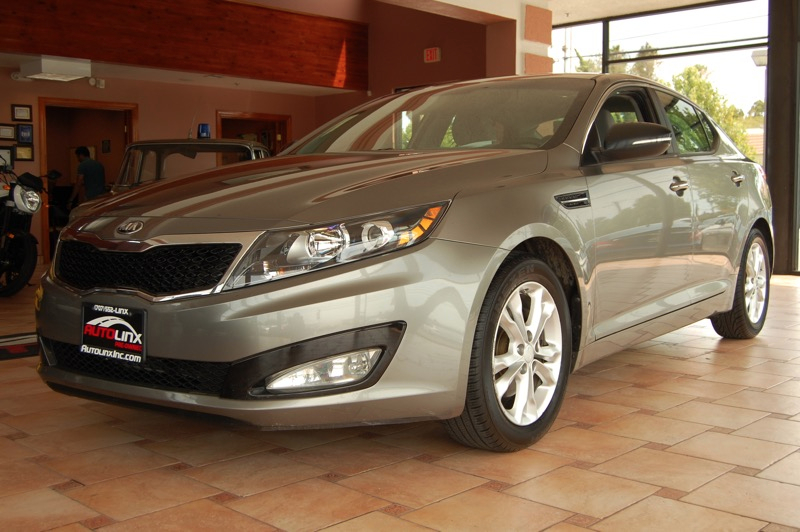 2013 Kia Optima LX Automatic 6-Speed Gray Beige Power To Surprise Dont let the miles fool you
