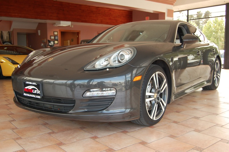 2012 Porsche Panamera S 7-Speed Manual Gray Black Navigation System One owner love and it show