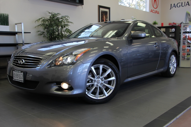 2012 Infiniti G37 Coupe 2dr Coupe 7 Speed Auto Gray Black This one is in excellent condition an