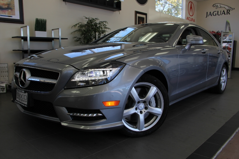 2012 MERCEDES CLS-Class CLS550 4dr Sedan 7 Speed Auto Silver Gray This is a beautiful CLS that