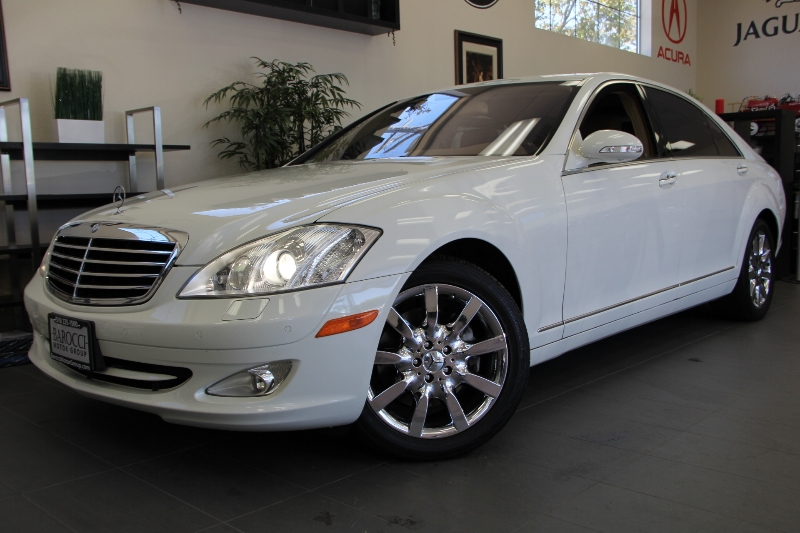 2007 MERCEDES S-Class S550 7-Speed Automatic White Tan This is what luxury is all about This i