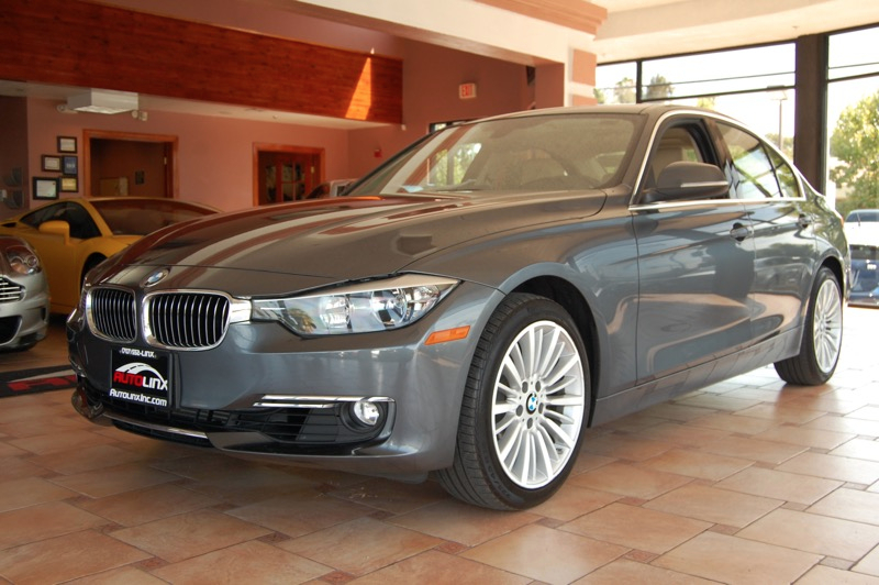 2012 BMW 3-Series 328i Sedan Automatic Gray Beige Backup Camera and Navigation Turbo Wow Whe