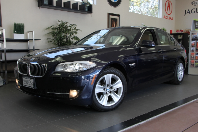 2012 BMW 5 Series 528i 4dr Sedan Automatic Blue This is a beautiful vehicle in great condition