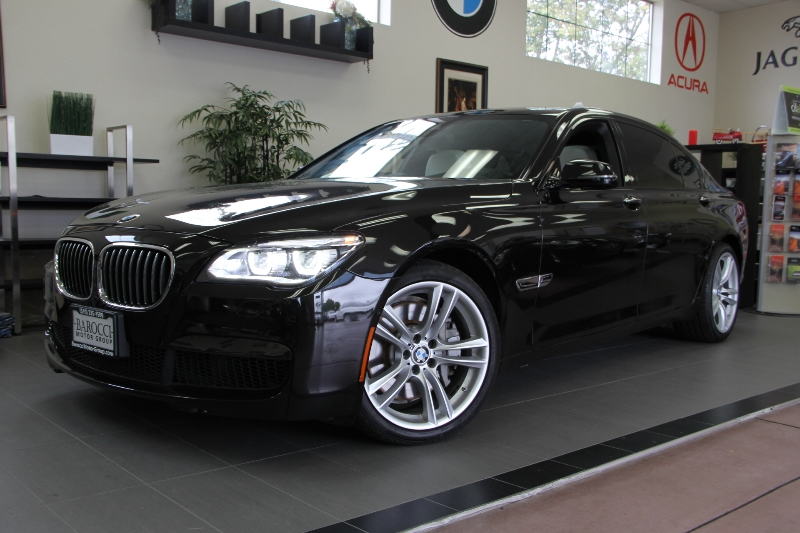 2013 BMW 7 Series 750Li 4dr Sedan 8 Speed Auto Brown White This is a beautiful vehicle in great