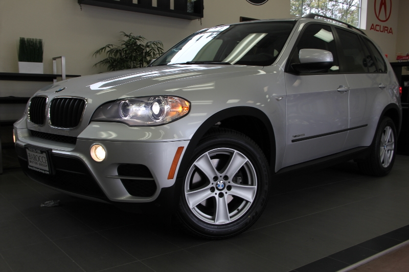 2013 BMW X5 xDrive35i AWD  4dr SUV 8 Speed Auto Silver Black Includes Bluetooth Heated Seats