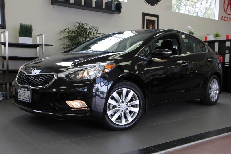2014 Kia Forte EX 4dr Sedan 6 Speed Auto Black Black This is a beautiful vehicle in great condi