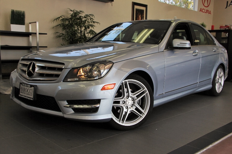 2013 MERCEDES C-Class C250 Luxury 4dr Sedan 7 Speed Auto Silver Gray This is a beautiful vehicl