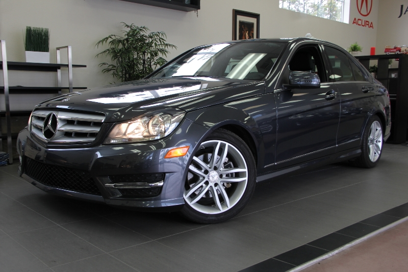 2013 MERCEDES C-Class C250 Luxury 4dr Sedan 7 Speed Auto Gray This beautiful car comes equipped