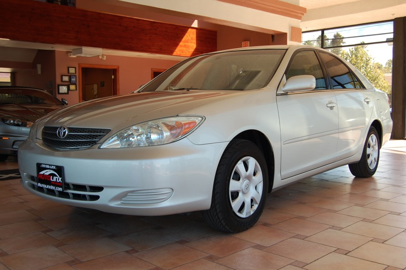 2004 Toyota Camry XLE Automatic Gray Tan Silver Bullet Real Winner This good-looking 2004 Toy