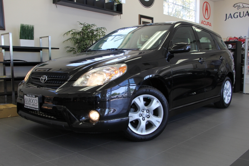 2006 Toyota Matrix XR 4dr Wagon 5 Speed Man Black This is a beautiful vehicle in great conditi