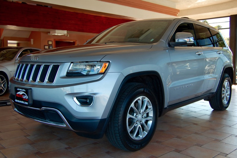 2015 Jeep Grand Cherokee Limited 4WD 8-Speed Automatic Silver Black LEASE RETURN   and Backup Ca