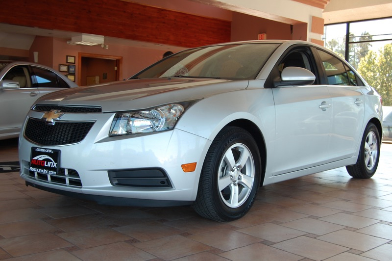 2014 Chevrolet Cruze 1LT 6-Speed Automatic Silver Black Bluetooth Hands-Free Portable Audio C