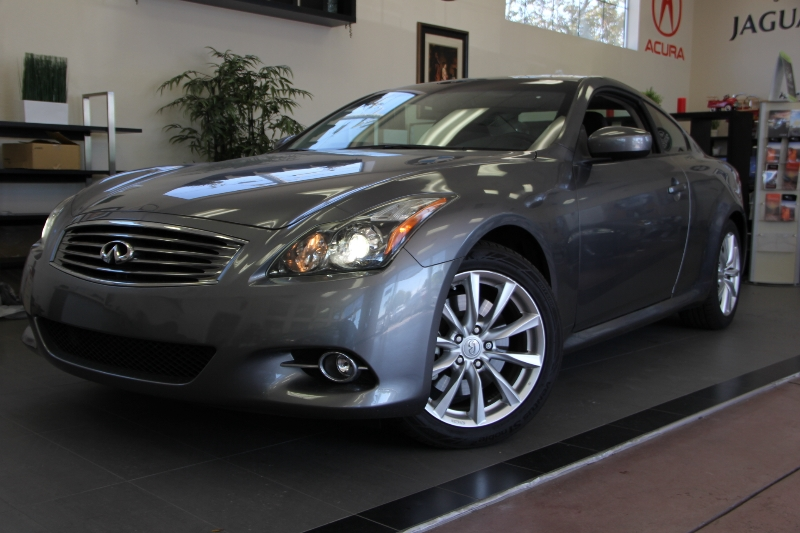 2012 Infiniti G37 Coupe Base 2dr Coupe 7 Speed Auto Gray This one is in excellent condition and