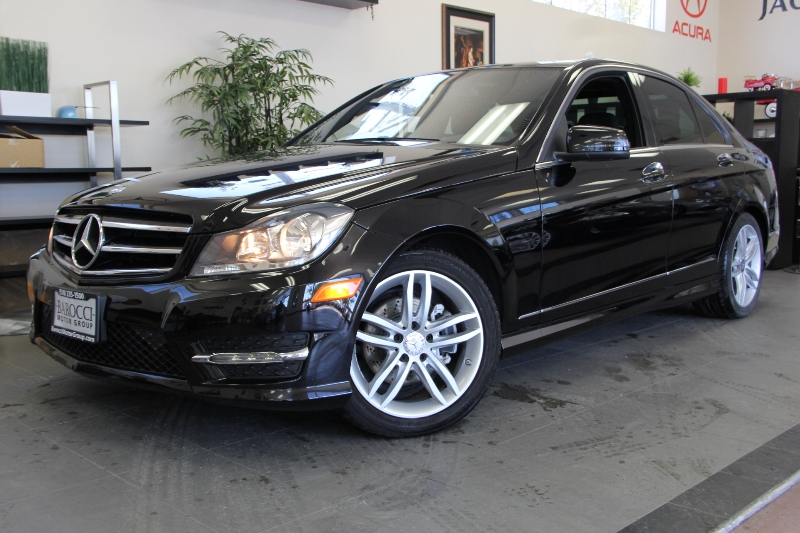 2013 MERCEDES C-Class C250 Luxury 4dr Sedan 7 Speed Auto Black Black Why buy brand new when you