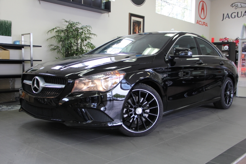 2014 MERCEDES CLA-Class CLA250 4dr Sedan 7 Speed Auto Black Black This is a beautiful vehicle i