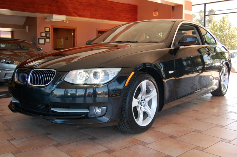 2013 BMW 3 Series M PKG 335i 2dr M PKG Automatic Black Black Turbocharged Dont let the miles f
