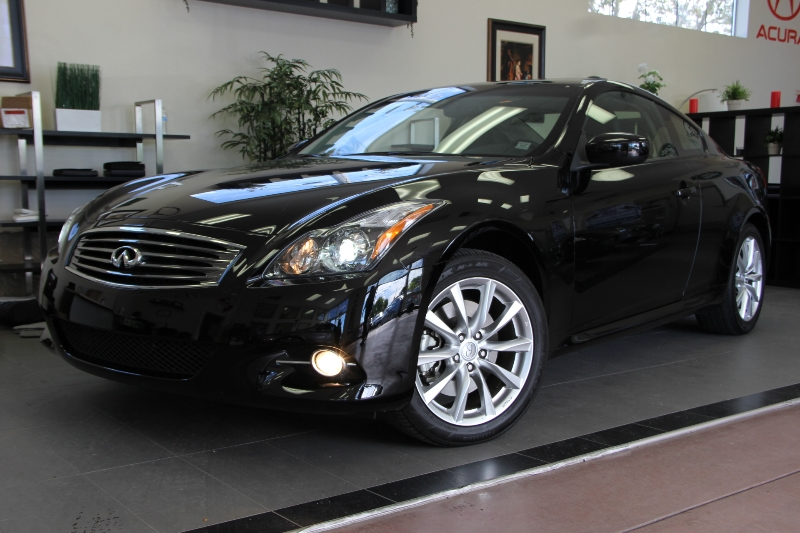 2013 Infiniti G37 Coupe x AWD  2dr Coupe 7 Speed Auto Black Black This is a beautiful vehicle i
