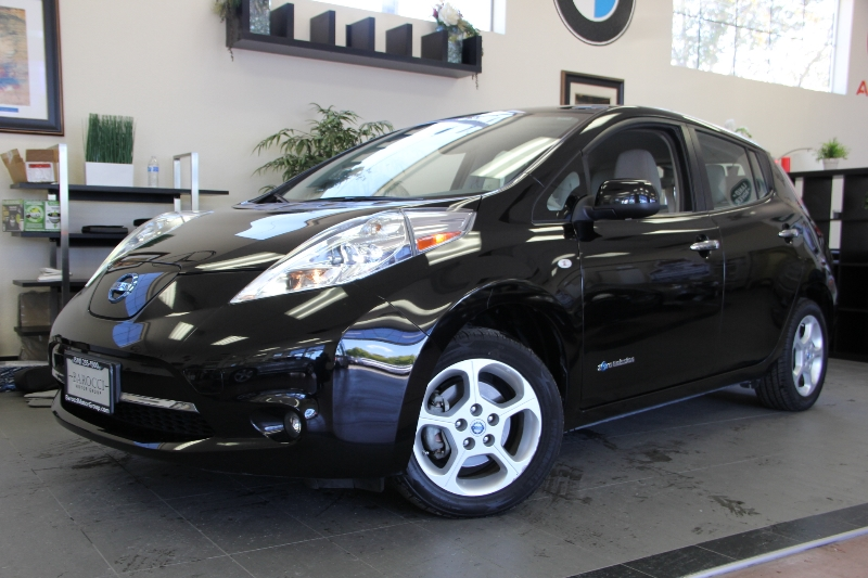 2012 Nissan LEAF SL 4dr Hatchback 1 Speed Auto Black Tan This one owner vehicle is in fabulous