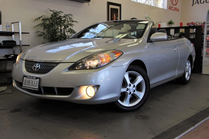 2004 Toyota Camry Solara SE V6 2dr Convertible 5 Speed Auto Silver Gray This is a nice Camry So