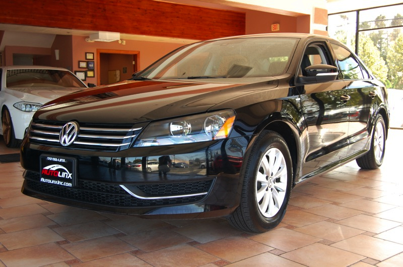 2015 Volkswagen Passat 18T Wolfsburg Edition Sedan 4D Auto 6-Spd Tiptronic Spt Black Black You