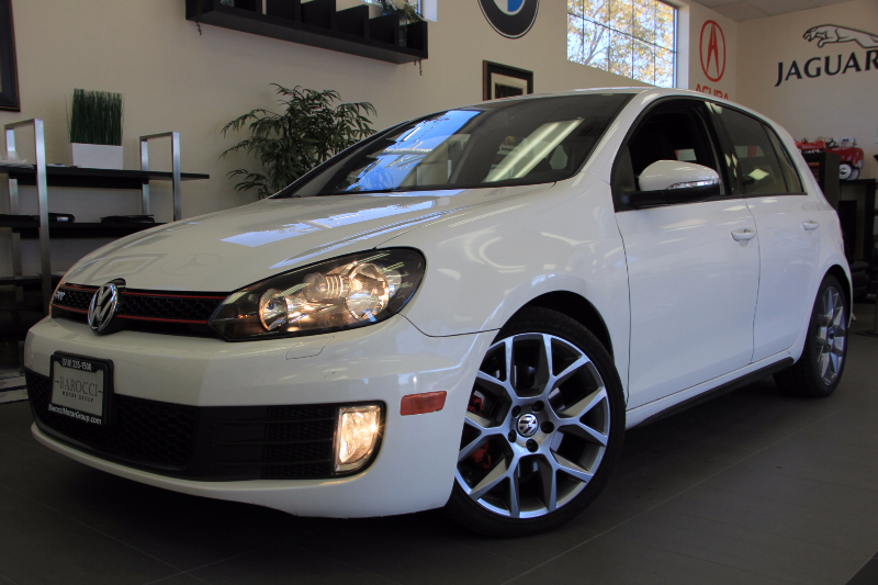 2013 Volkswagen GTI Base PZEV 4dr Hatchback 6M 6 Speed Man White Black This is a beautiful veh