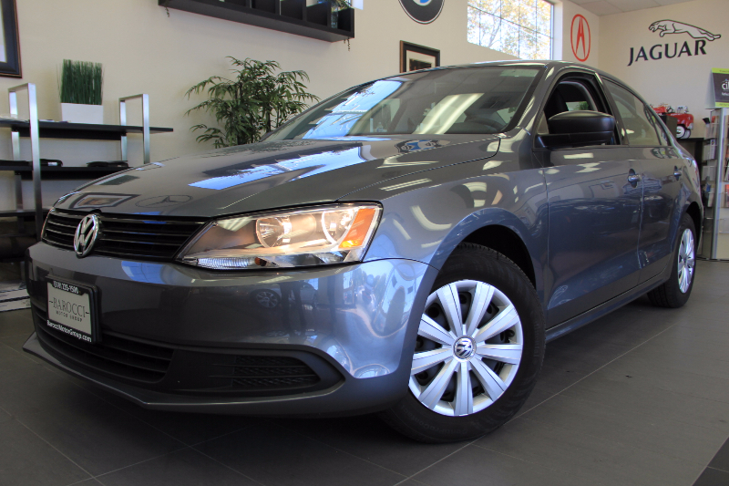 2012 Volkswagen Jetta S Base 4dr Sedan 6A Automatic Gray Gray This is a beautiful vehicle in gr
