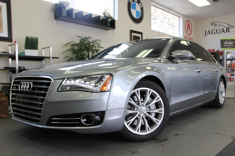 2013 Audi A8 30T quattro LWB AWD  4dr Sedan 8 Speed Auto Gray This is a beautiful vehicle in gr