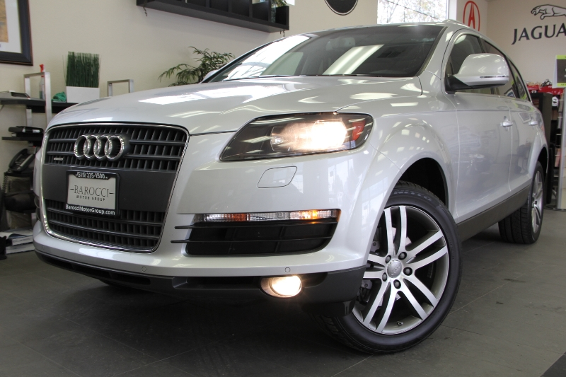 2008 Audi Q7 36 Premium quattro AWD  4dr SUV 6 Speed Auto Gray This is a beautiful Q7 with Navi