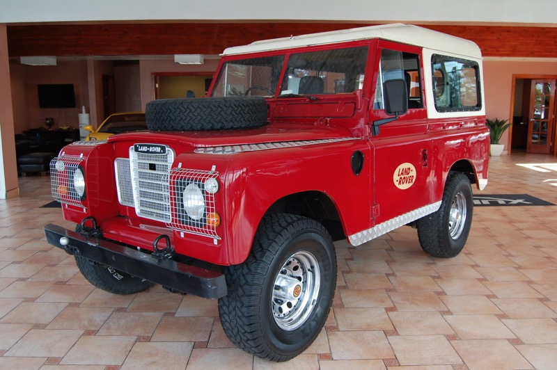 1980 Land Rover Defender  Gas Red Air Conditioning Power Steering Driver-Side Airbag Passenge