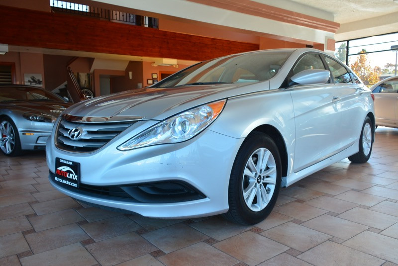 2014 Hyundai Sonata Sedan 6-Speed Manual Silver Gray Air Conditioning Power Steering Driver-S