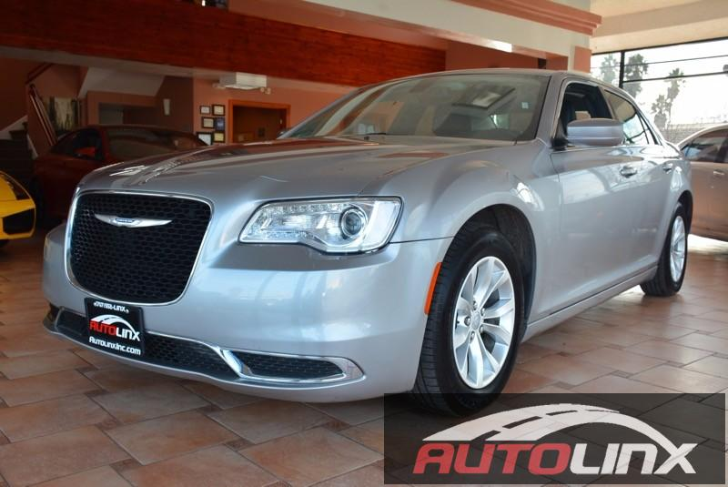 2015 Chrysler 300 4D Sedan Automatic Silver Black One Owner and Still under factory warranty F