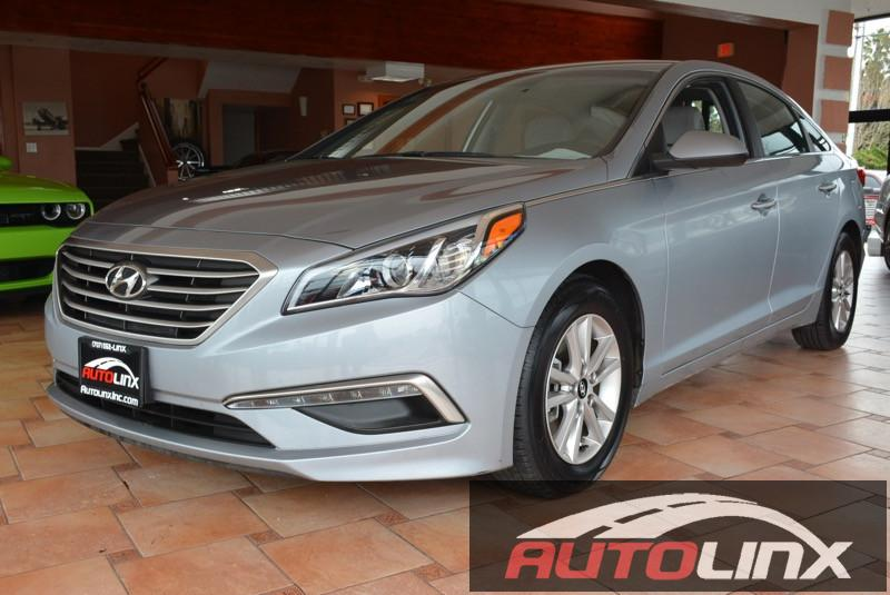 2015 Hyundai Sonata SE Automatic 6-Speed Gray Black Black Here it is Car buying made easy Ar