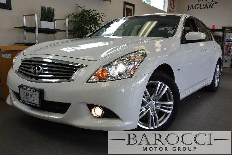 2015 Infiniti Q40 Base 4dr Sedan Automatic White Black This is a beautiful one owner California