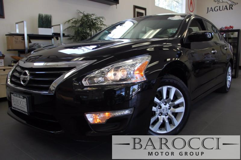 2014 Nissan Altima 25 4dr Sedan Continuously Variable Transmission  Black This is a beautiful v
