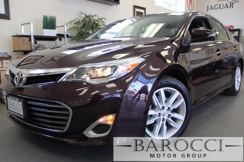 2014 Toyota Avalon XLE 4dr Sedan 6 Speed Auto Maroon Black This is a beautiful vehicle in great