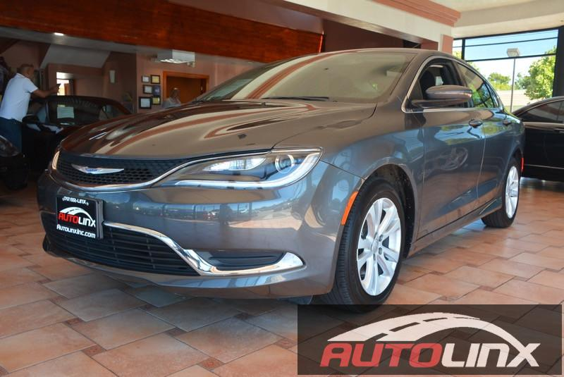 2015 Chrysler 200 Limited 9-Speed Automatic Gray Cloth In a class by itself Nice car This 201