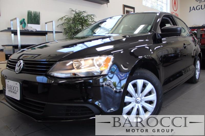2013 Volkswagen Jetta S 4dr Sedan 6A 6 Speed Auto Black Black This is a beautiful vehicle in gr