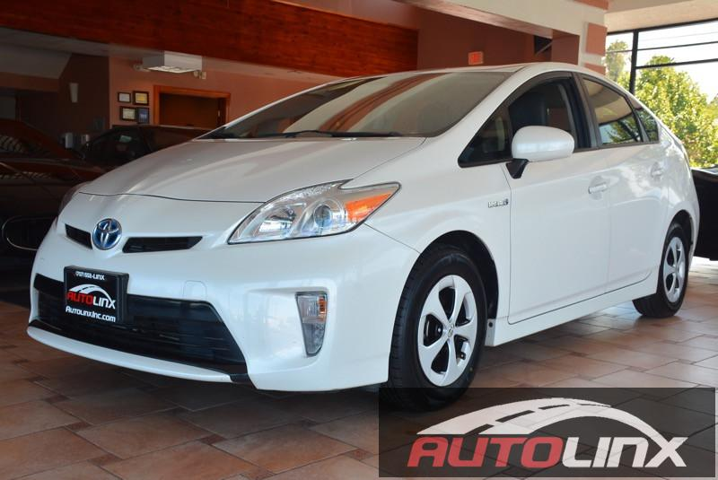 2011 Toyota Prius 4D Hatchback 3 Automatic White Black Air Conditioning Alarm Power Steering