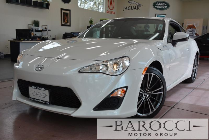 2015 Scion FR-S Release Series 10 2dr Coupe 6M 6 Speed Man White Black This is a beautiful ve