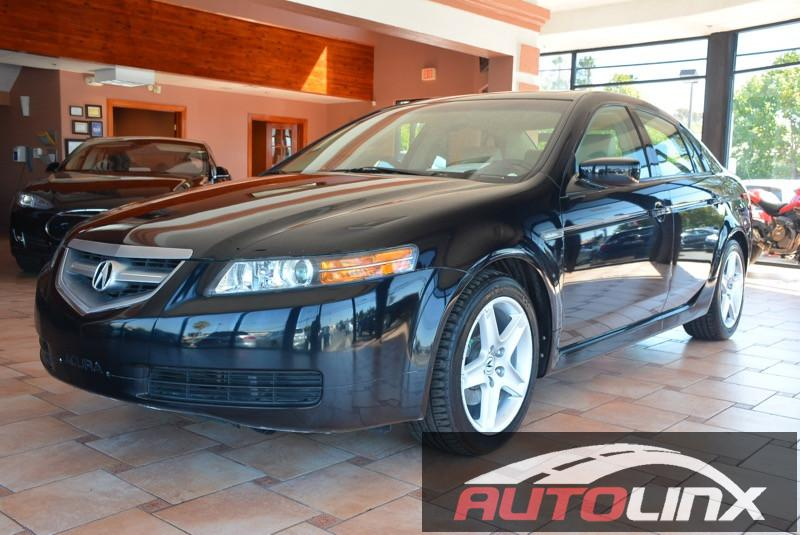 2006 Acura TL 4dr Sedan Automatic White Tan This is a beautiful vehicle in great condition insi