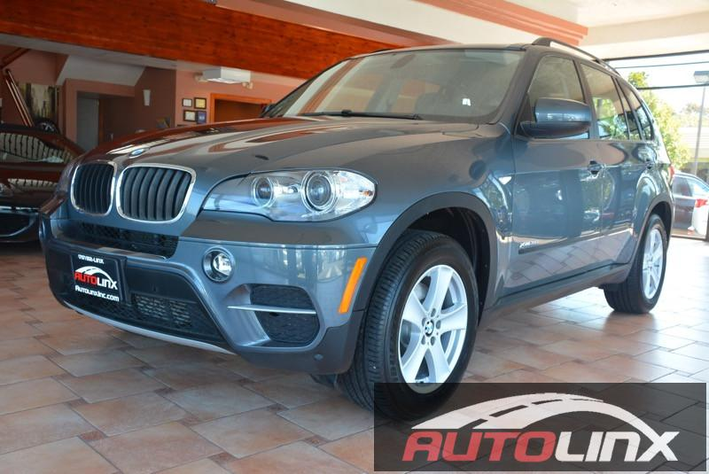 2013 BMW X5 xDrive35i AWD  4dr SUV 8 Speed Auto Gray Black 3ED ROW SEATINGBluetooth Hands-Fre