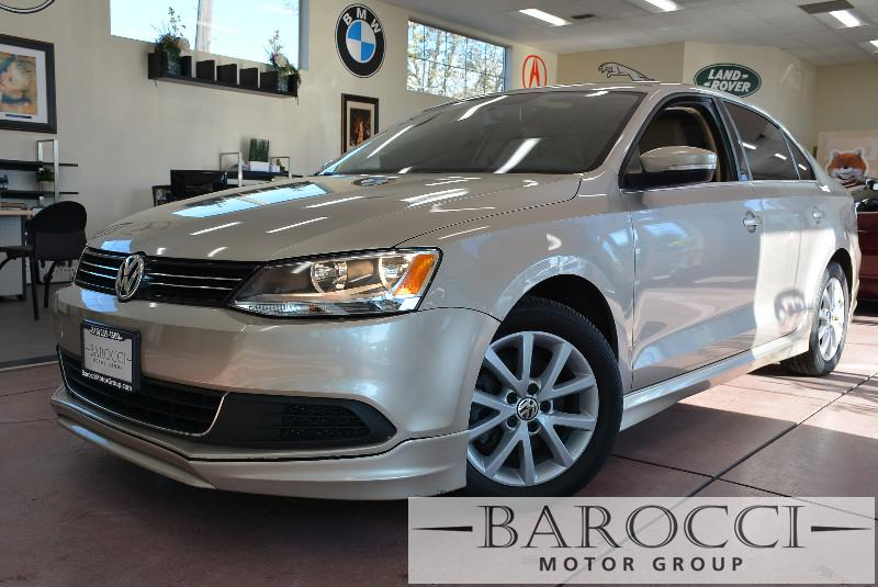 2013 Volkswagen Jetta SE 4dr Sedan 6A Automatic BEIGE Beige Beautiful Jetta with so many option