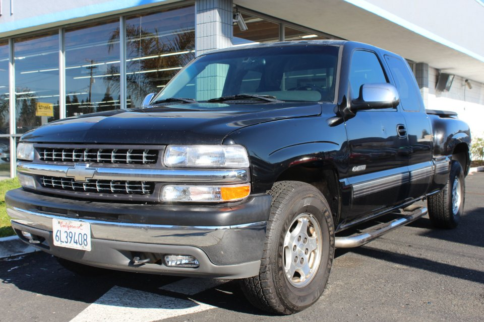 2001 Chevrolet Silverado 1500 Exten Work Truck Ext Cab Short Bed Automatic Black Black This is