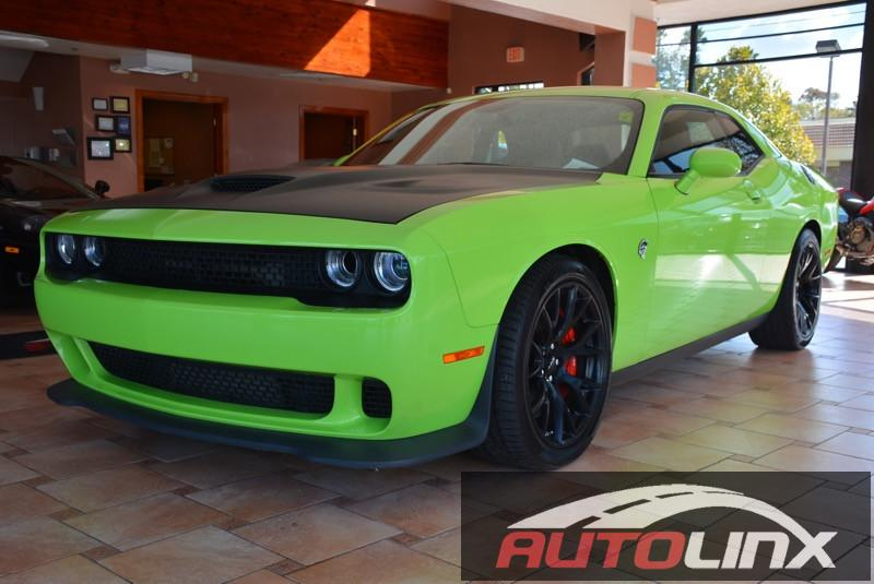 2015 Dodge Challenger Hellcat Hellcat 5-Speed Automatic  Green Black Portable Audio Connection